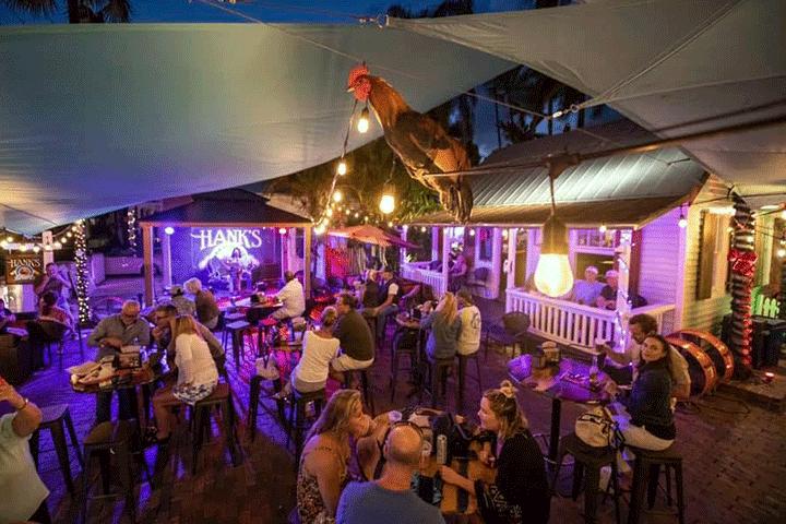courtyard-1-Hanks Hair Of The Dog Saloon-Key West Florida