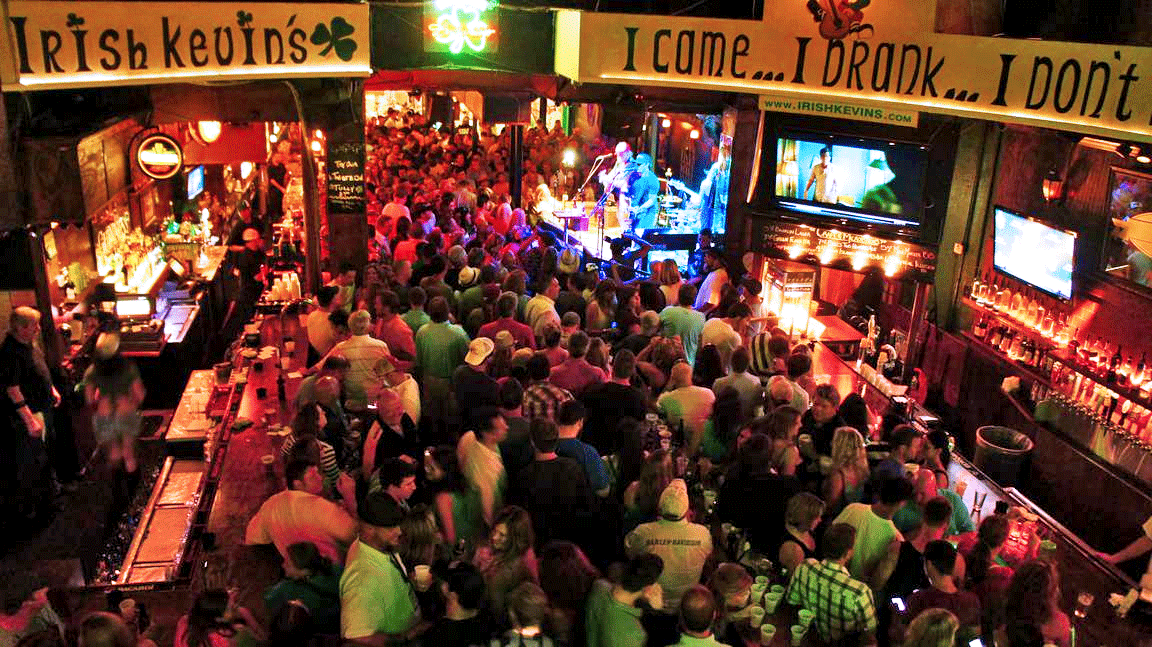 good-crowd-Irish-Kevins-bar-Key-West-Florida